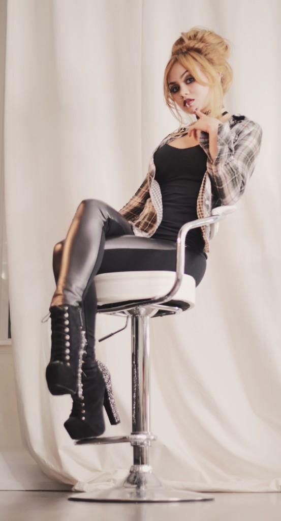 Rose Russo Grunge Makeup Messy Bun Hairstyle