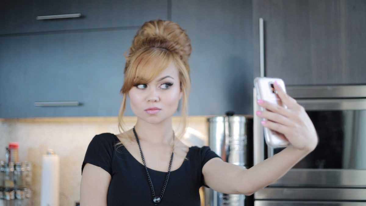 15 Tips: How to- Perfect Selfie